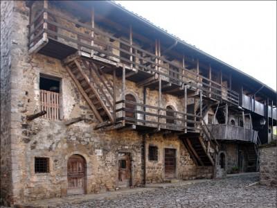Casa cinquecentesca Cavaglia, foto Galizzi valbrembanaweb,.com.jpg
