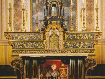 lowAltare chiesa Cadelfoglia 1700.jpg
